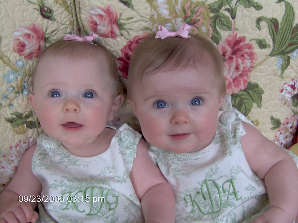 twin-girls-in-green-outfits
