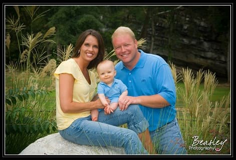 young-couple-with-little-boy